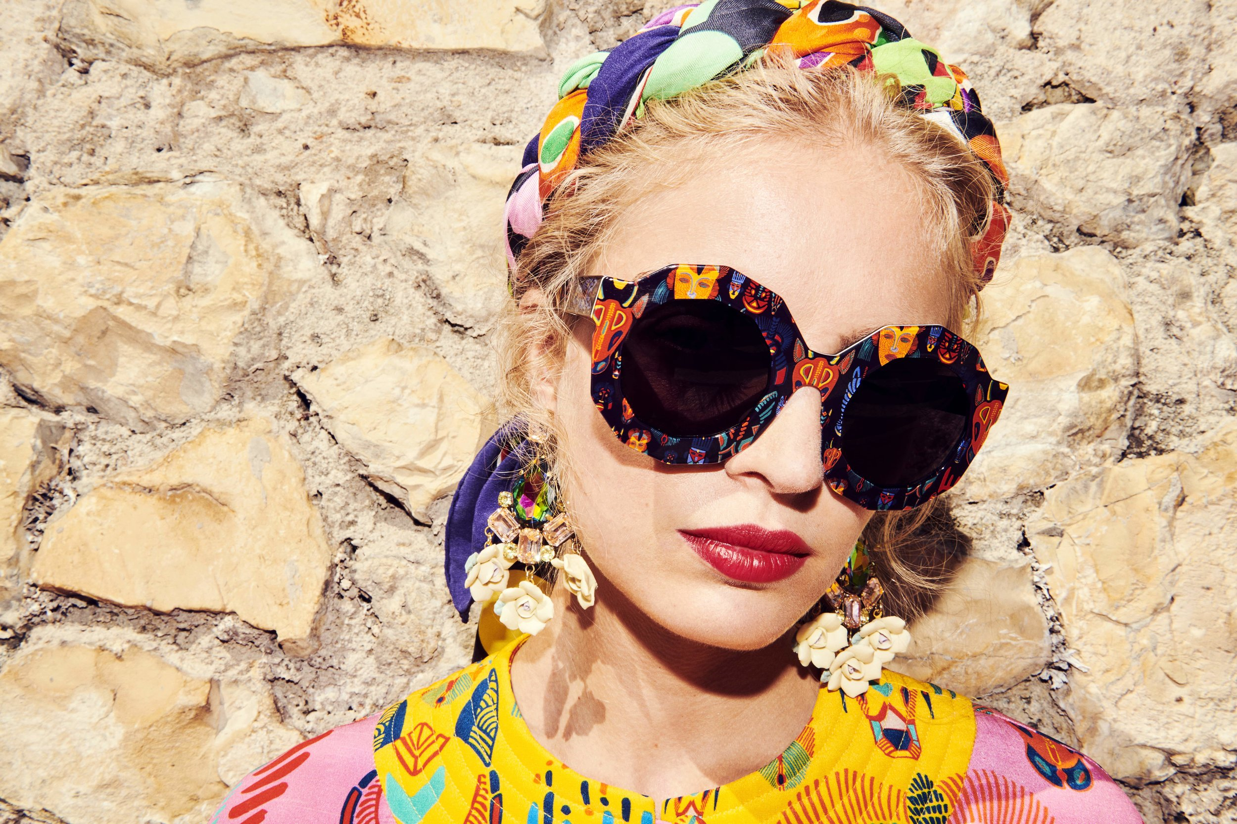 ANDY WOLF EYEWEAR is launching this spring a sunglasses capsule collection with fashion label RIANNA+NINA known for its vibrant colors and prints.