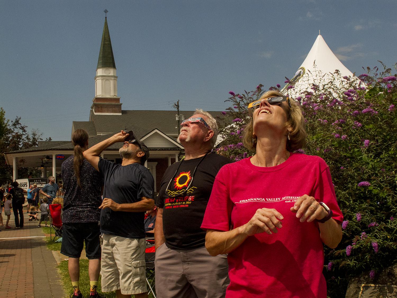 Solar Eclipse_looking up04_John Kepchar_TAPstudio.jpg