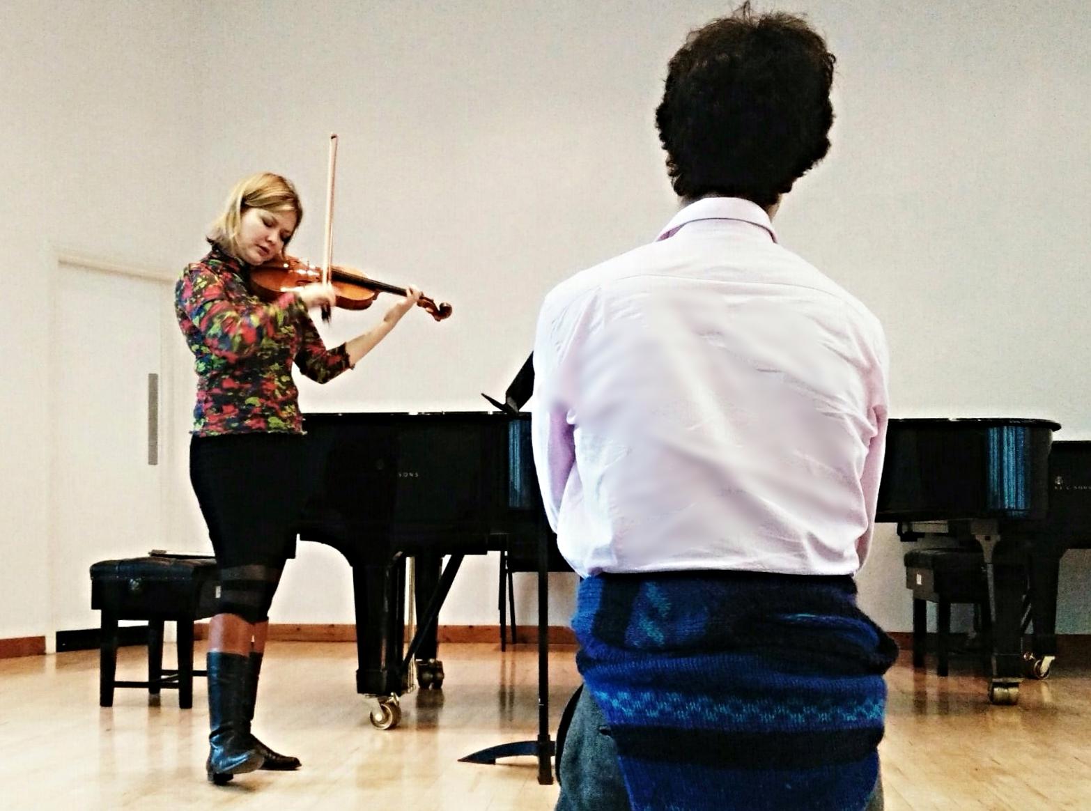 Alina Ibragimova testing my latest violin.