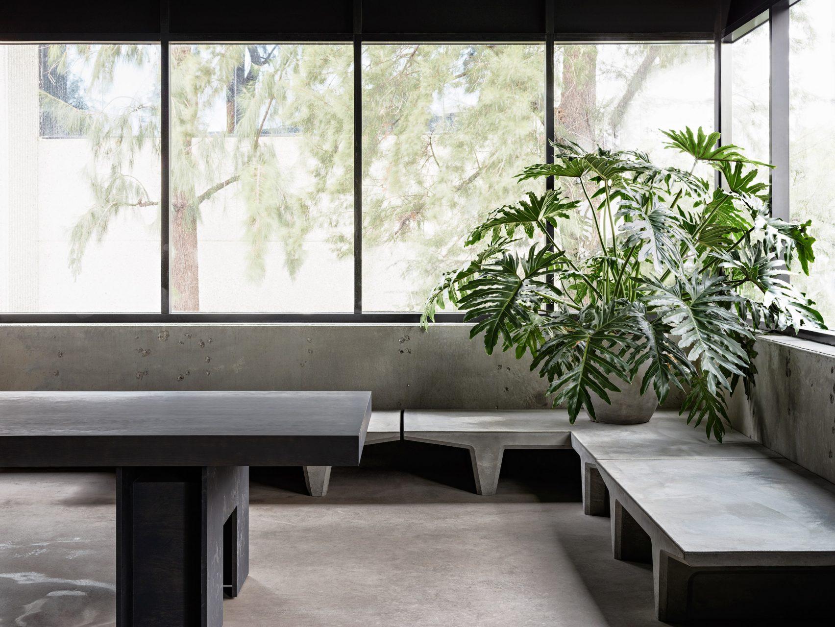 yeezy-studio-kanye-west-willo-perron-calabasas-california_-1704x1280.jpg