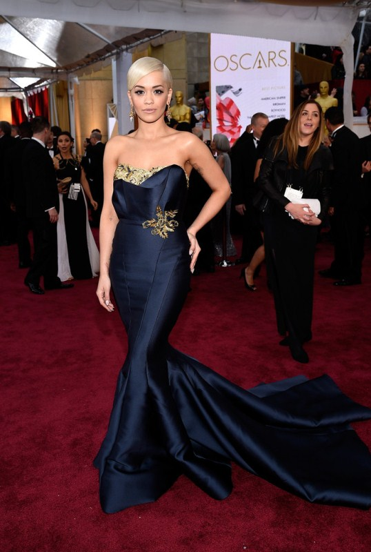 Rita Ora showed off her new haircut in Marchesa.  Though this look gave MET Gala, it was by no means a bad look for the singer, who wet her palette for acting with a small role in this year's blockbuster film, 50 Shades of Gray.