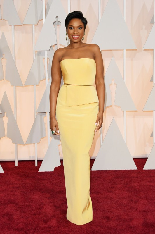 Jennifer Hudson came through, looking better than ever in a yellow Romona Keveza gown. The darts in the midsection made this look fit J-Hud's frame perfectly!