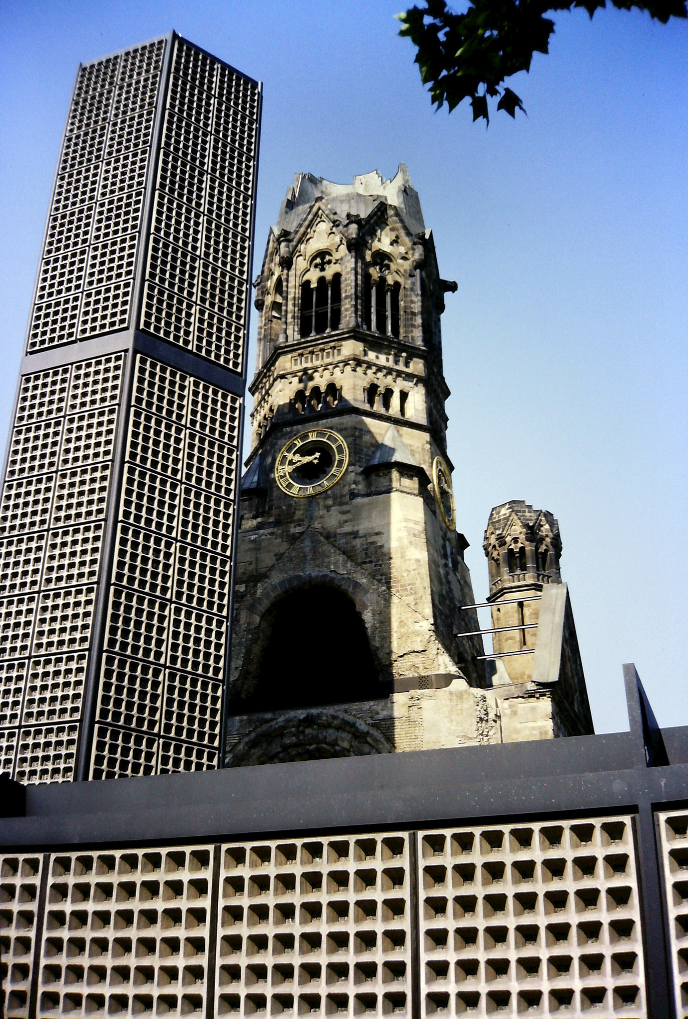 Per-Olof Forsberg_Kaiser Wilhelm Memorial Church, Berlin, July 1986.jpg