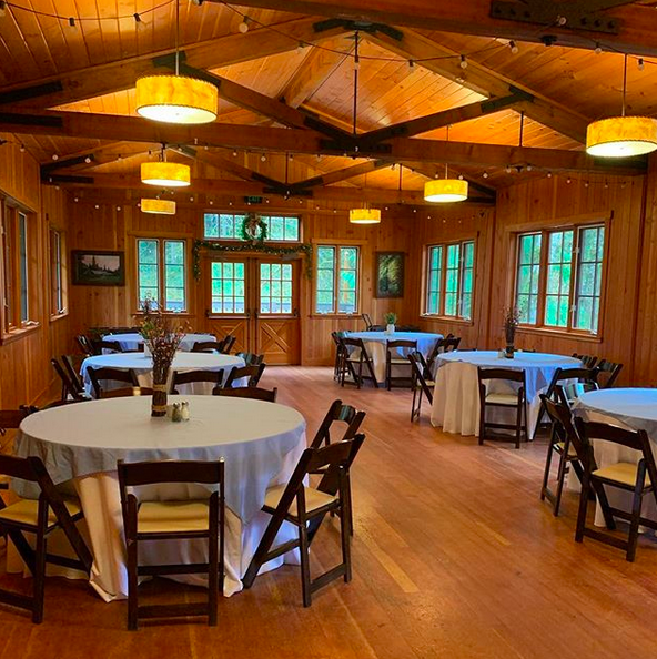 Silver Falls Lodge and Conference Center - Dining Area