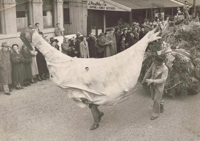 Centenery celebrations in London Street, 1950. Lyttelton Museum.