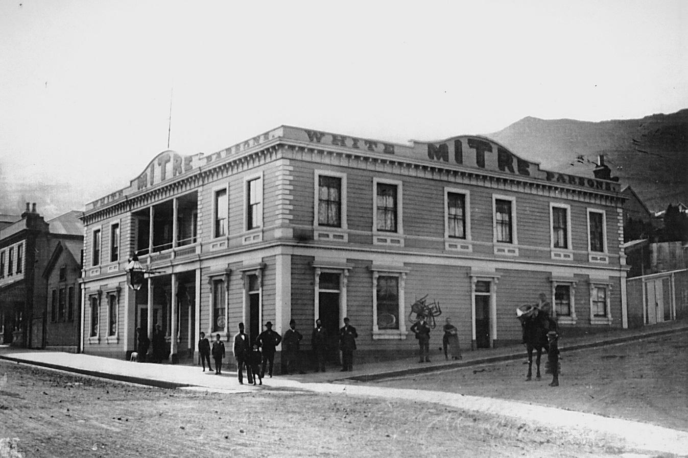 Mitre Hotel, 1894