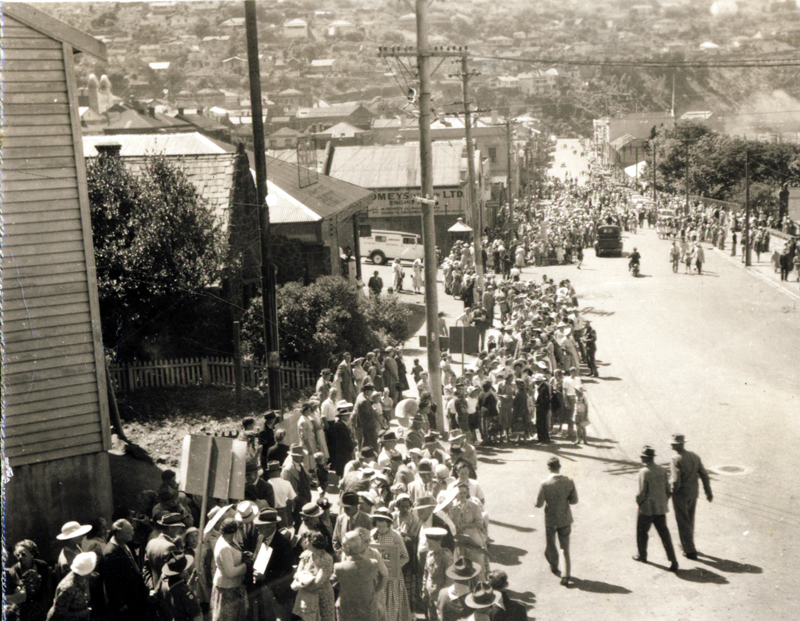 Centenary celebrations, 1950 - preparing to walk over the Bridle Path