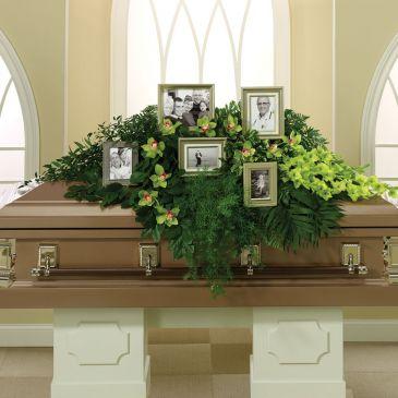 everlasting-memories-casket-spray.365.jpg