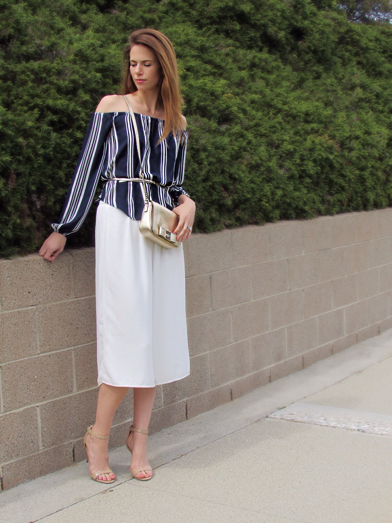 Blouse ,  culottes ,  similar belt ,  bag ,  heels