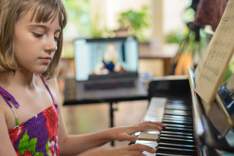 Piano Play Online Lessons