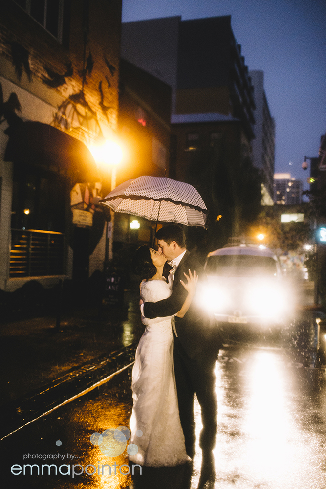 Rainy day king street Perth Wedding Photo
