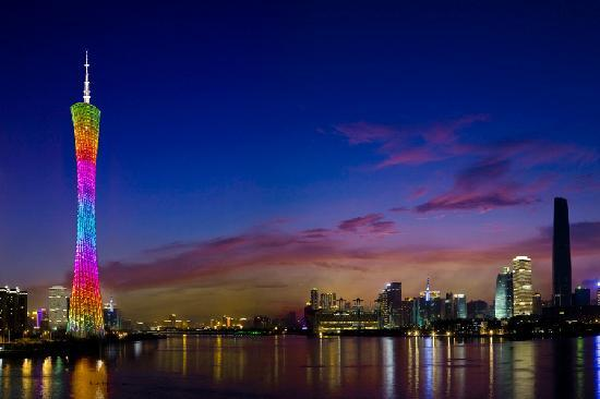 Canton Tower on the Pearl River at night