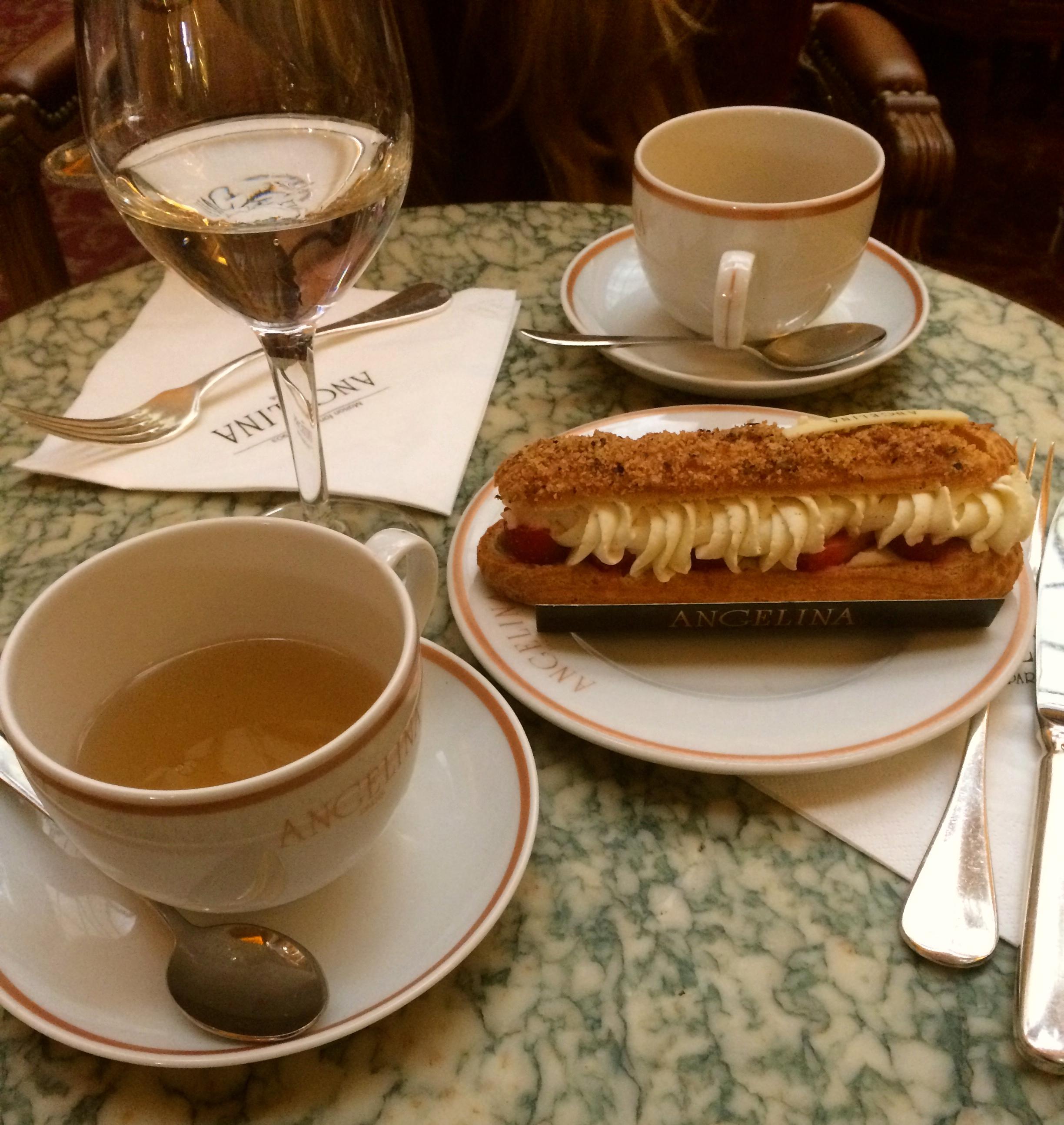 Cafe Angelia. Oh la la Chantilly Cream.