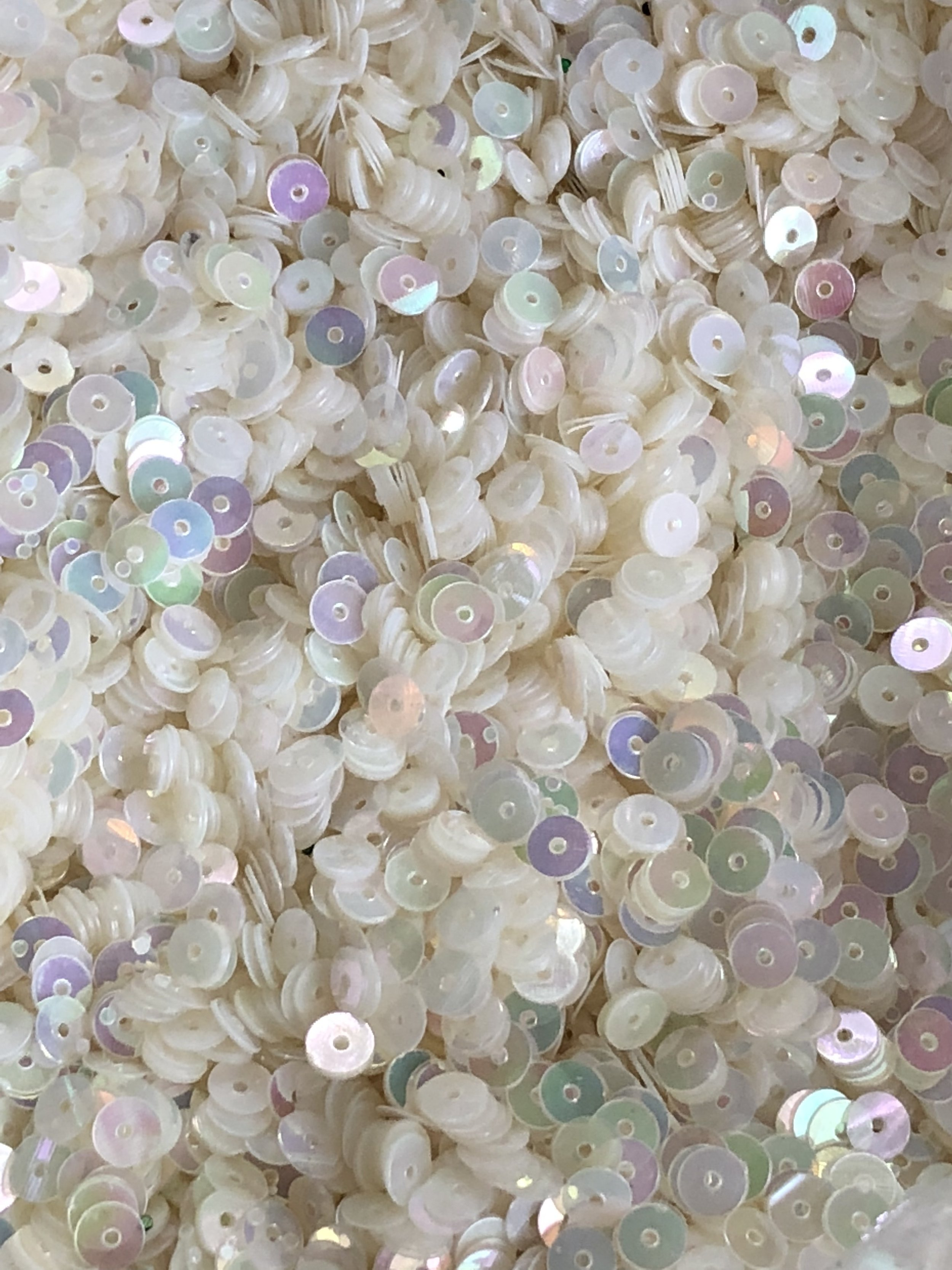 5mm Flat SequinsIridescent Clear White - Bulk Loose Sequins (1/4 Pound)