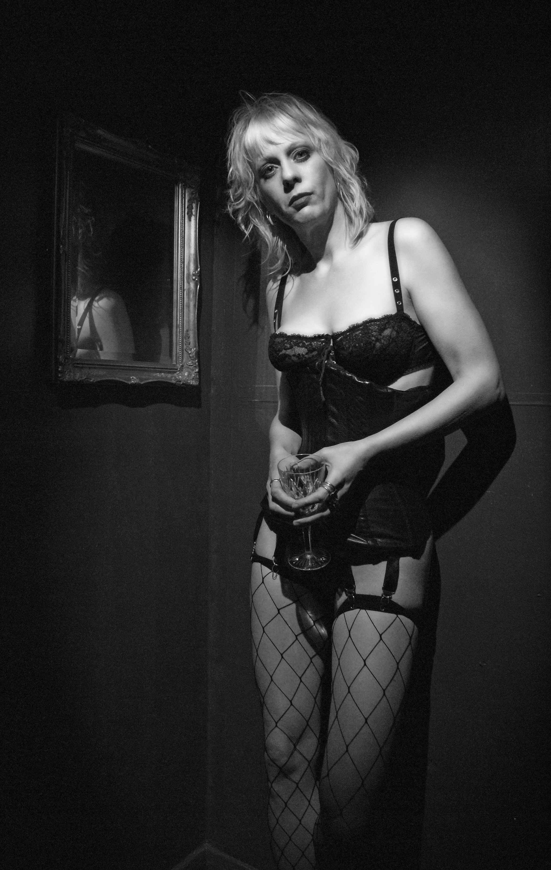 Leather Corset   Mistress Fabula London and Reading and Ebbsfleet
