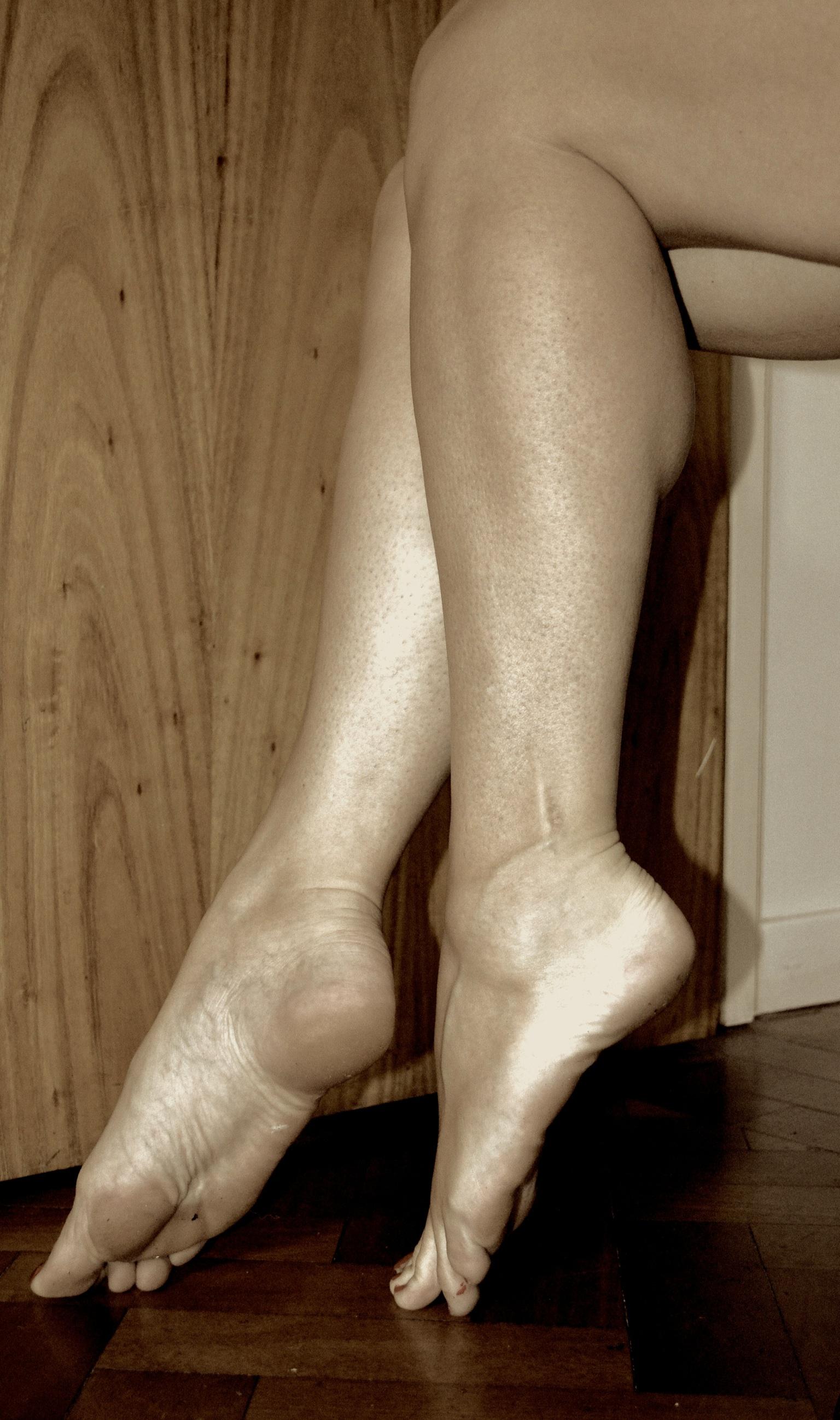Beautiful feet Mistress Fabula