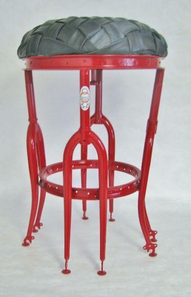 red_stool_on_white__659x1024_-202-400-600-80.jpg