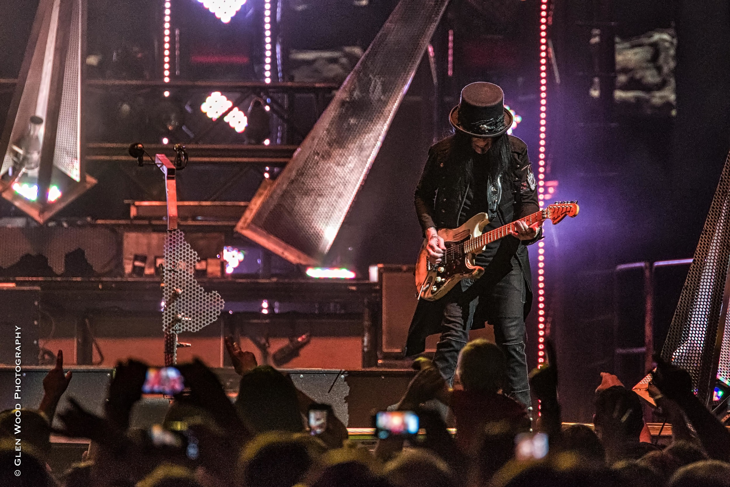 Motley Crue - Final Tour - 2015--11.jpg