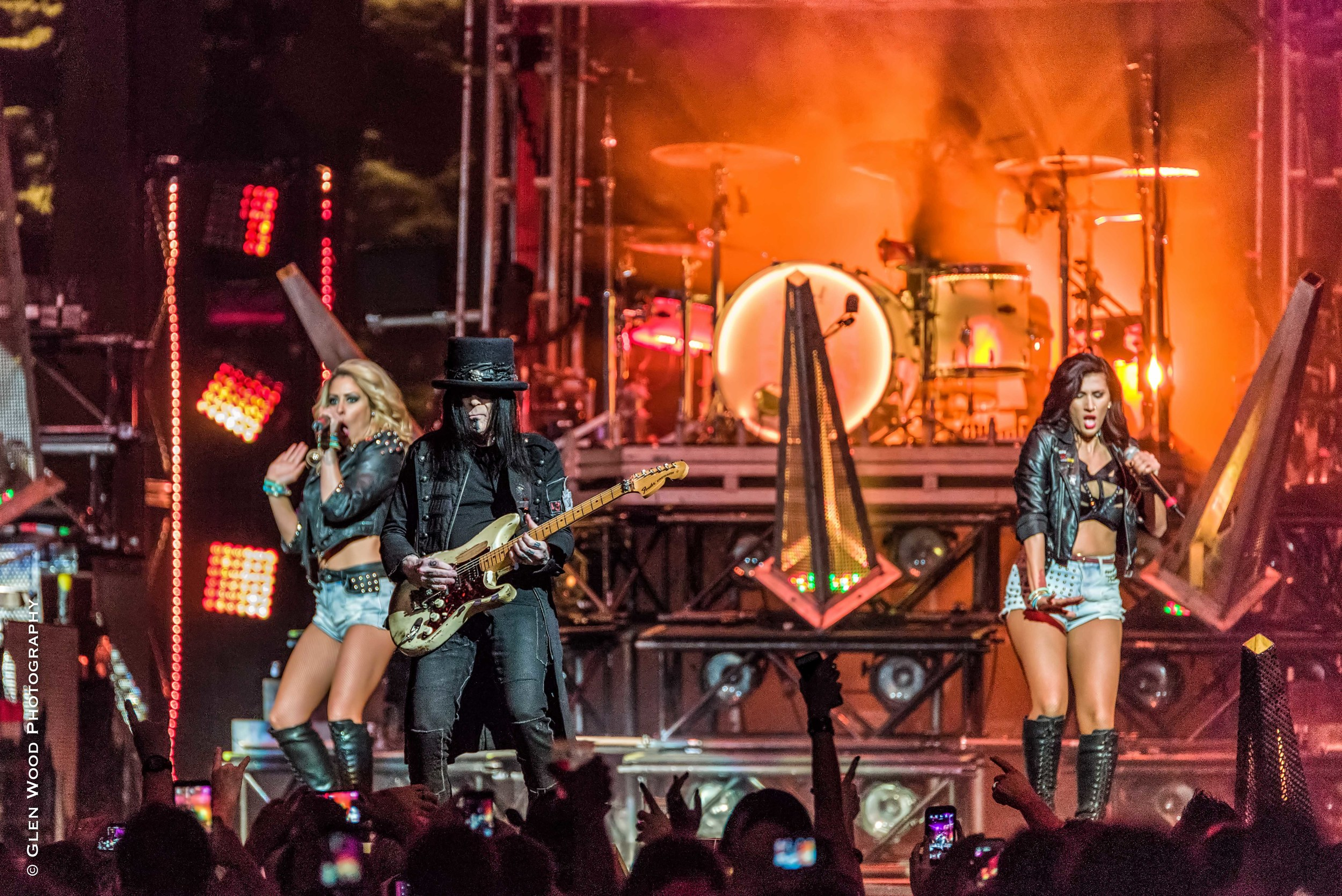 Motley Crue - Final Tour - 2015--13.jpg