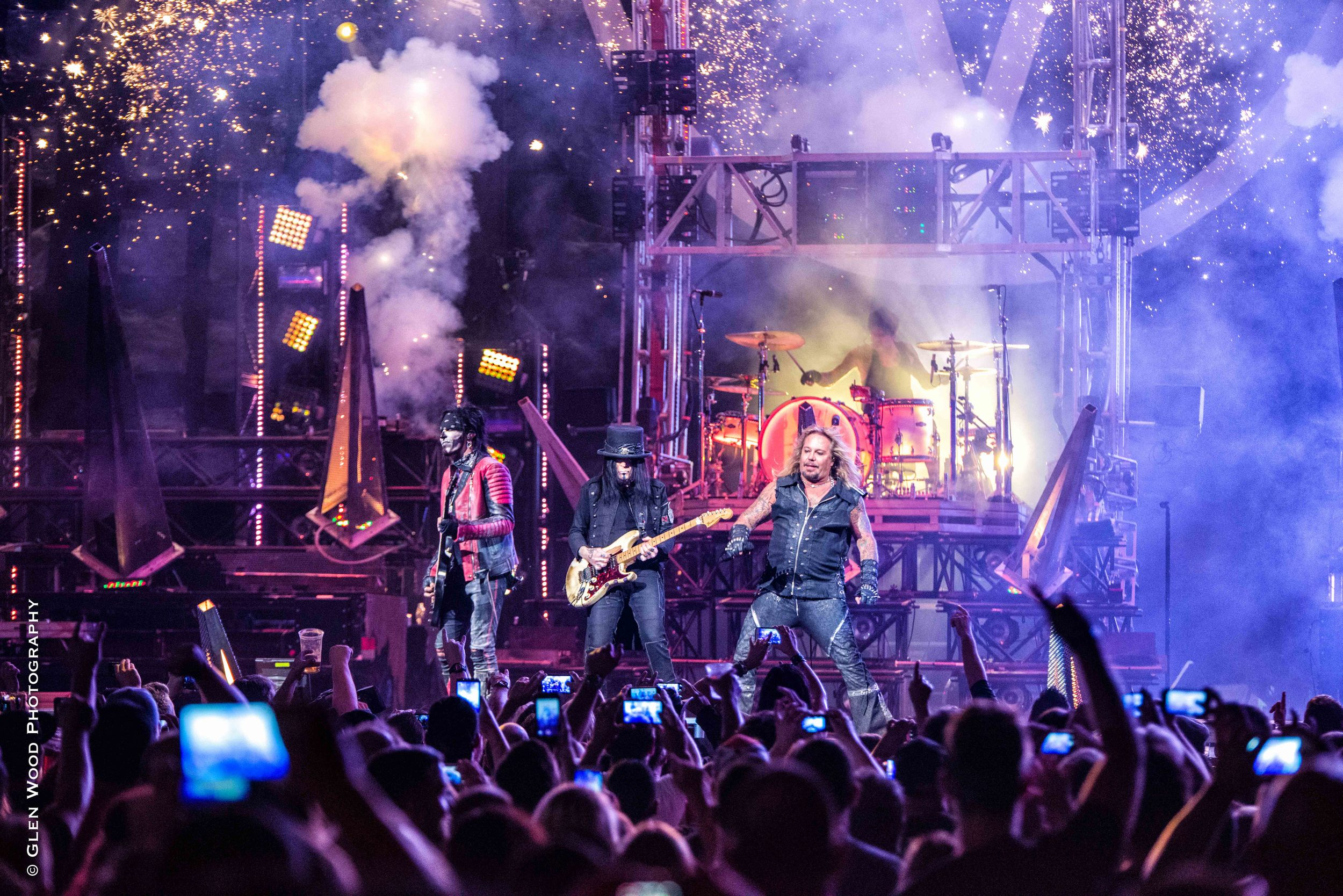 Motley Crue - Final Tour - 2015--20.jpg