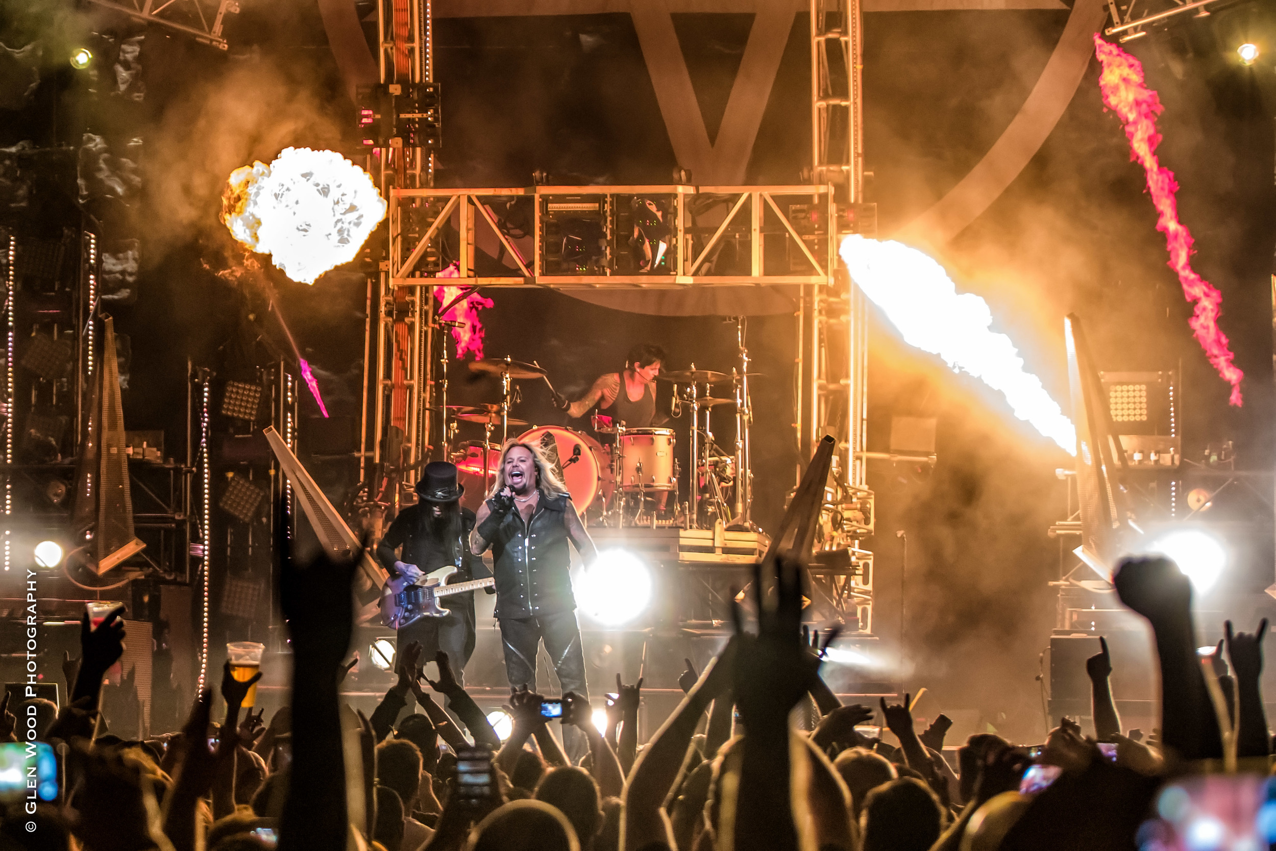 Motley Crue - Final Tour - 2015--22.jpg