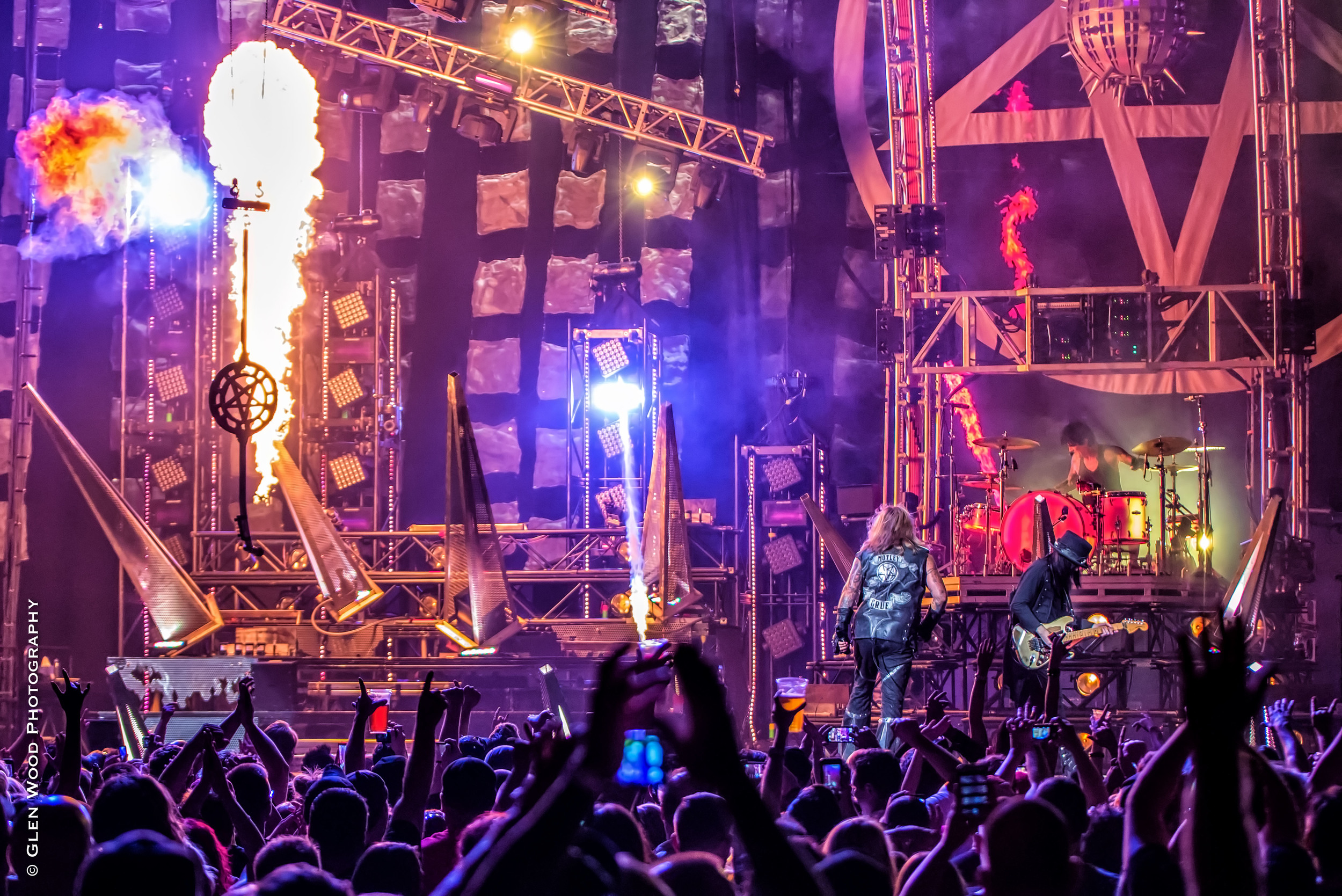 Motley Crue - Final Tour - 2015--23.jpg