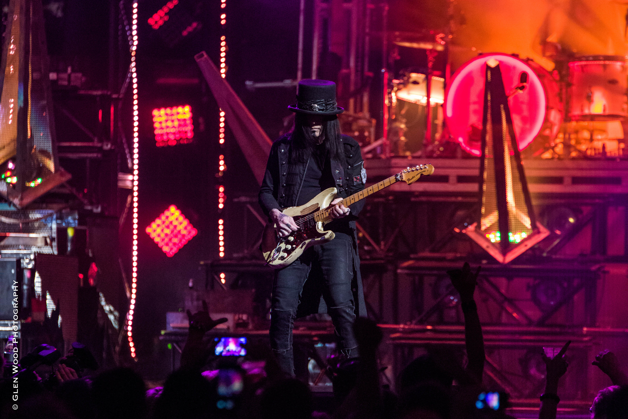 Motley Crue - Final Tour - 2015-4375.jpg