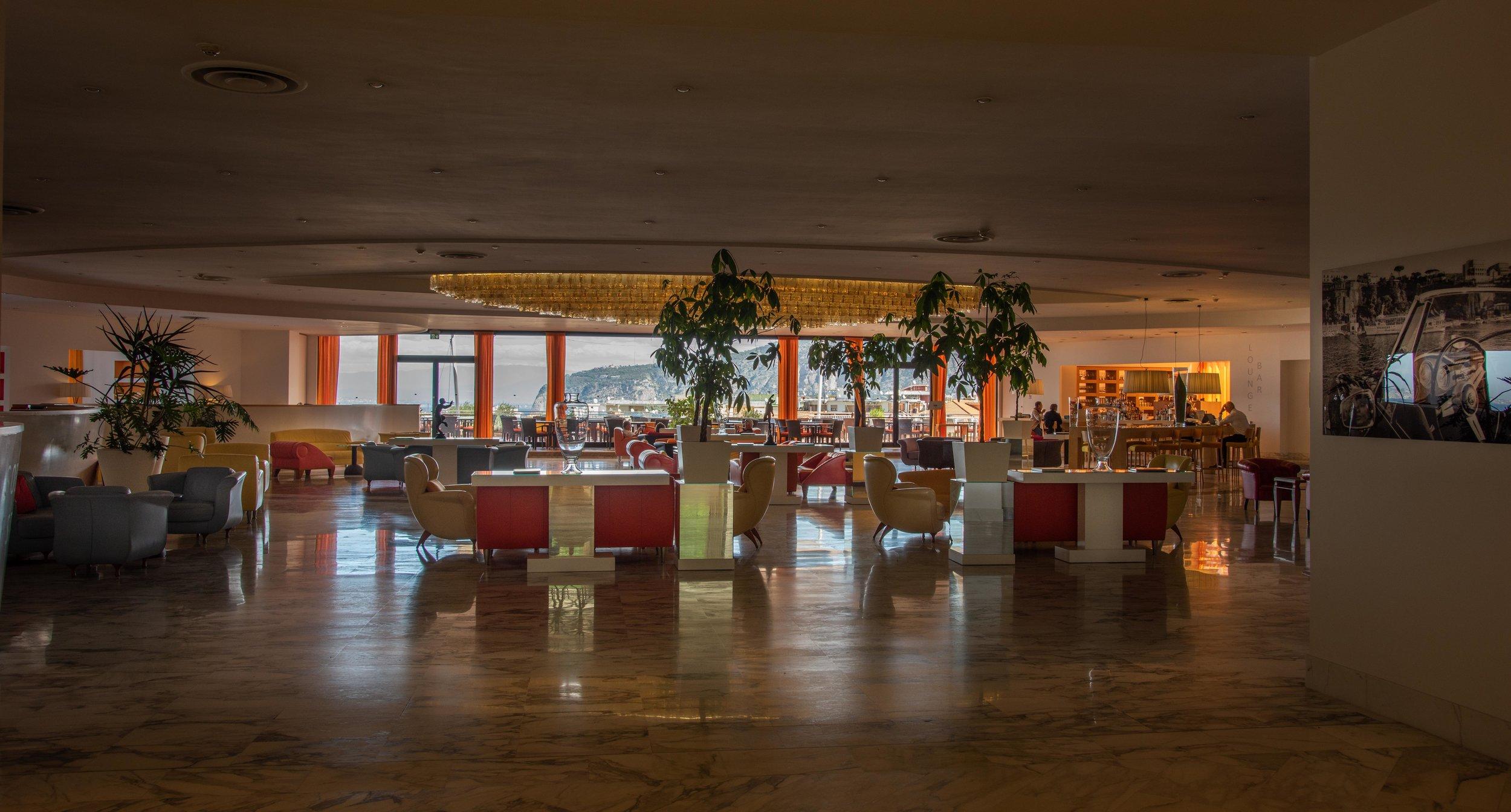 Hilton Sorrento lobby