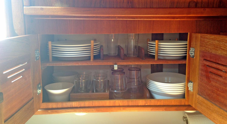 Galley dish storage