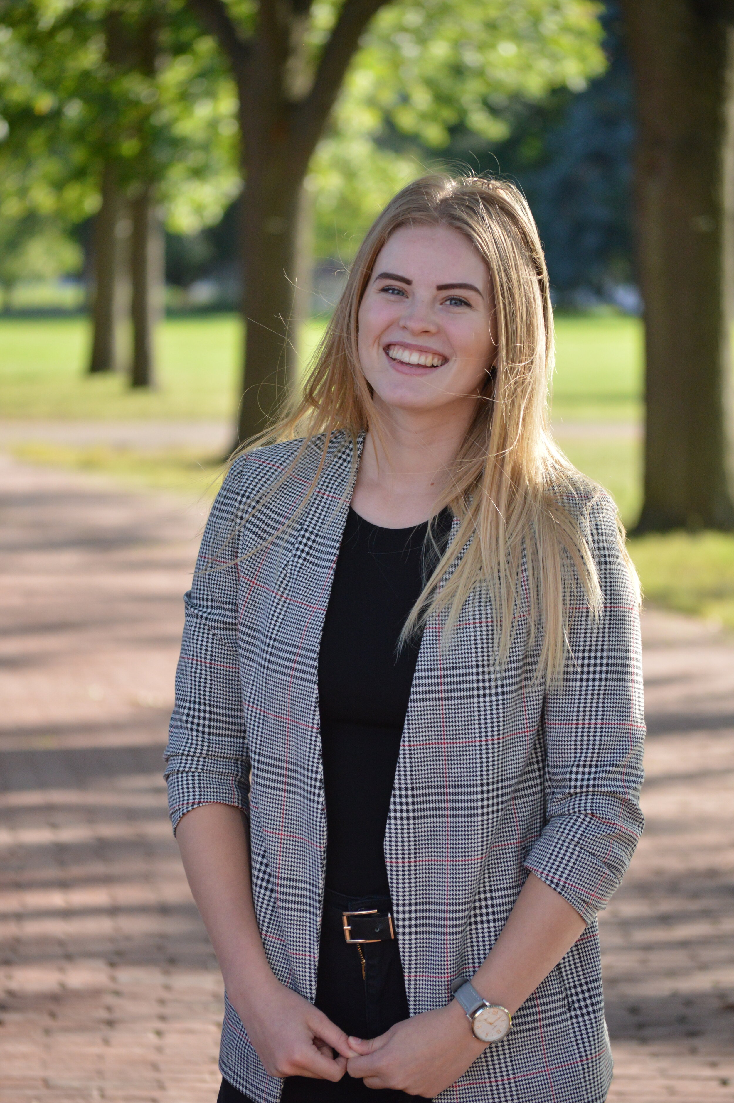 """Primary Organizer - Name: Sierra VanderkampProgram: 3rd Year Bio-medical Sciences, minoring in Neuroscience3 favourite things: Calendars, Mini Coopers, and WinningFavourite TED Talk: """"My stroke of insight"""" by Dr. Jill Bolte Taylor"""