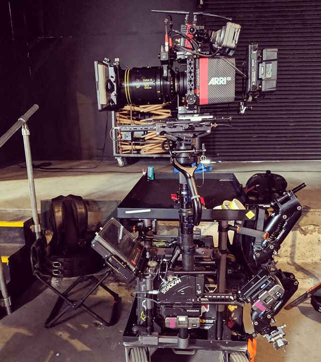It feels like it's been a while since I've posted, so here's a pic of my build from yesterday and today. . . . #steadicamrig #steadicam @tiffencompany @inovativ @walterklassenfx @arri @cookeoptics @antonbauerbatteries @transvideo