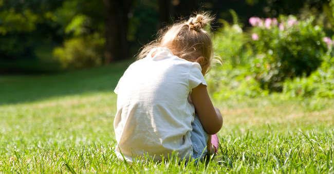 sad-little-girl-121916.jpg