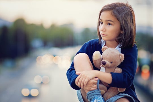 Speak honestly with kids about death, recommends psychologist.   (Photo: Getty Images)