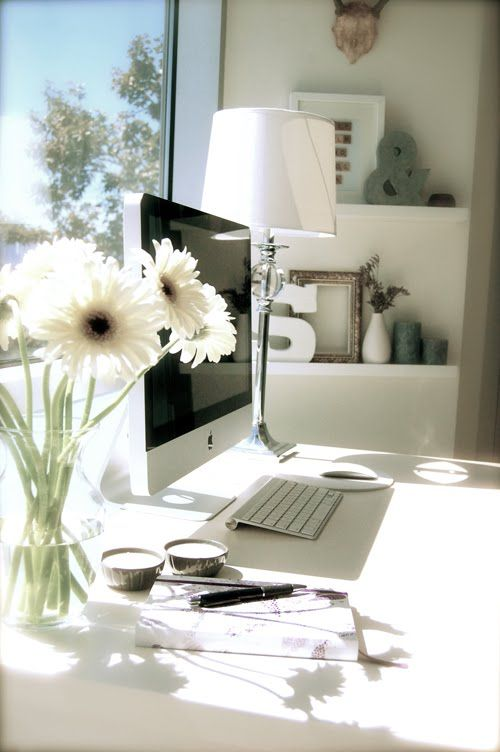 Put your desk by the window and  letttt the sunshine innn  (when it's not raining ...)  via  Como Doos Blog