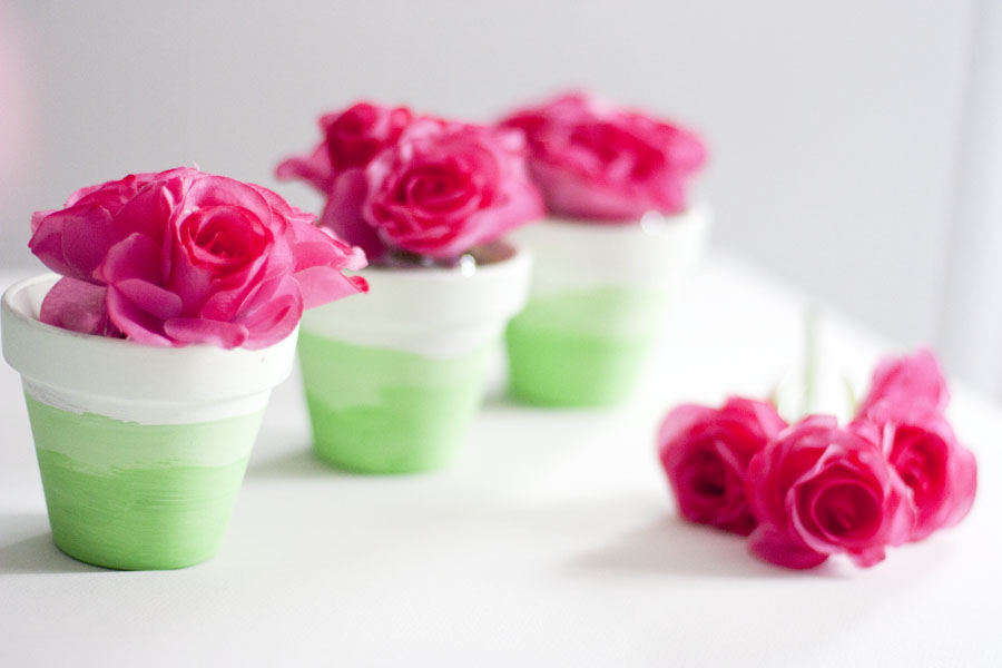Mini Painted Ombre Flower Pots Tutorial , courtesy of Small Stuff Counts