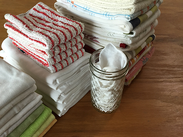 """Zero-Waste fixtures: dust rags, dish-scrubbing towels, napkins, kitchen towels and """"tissues"""""""