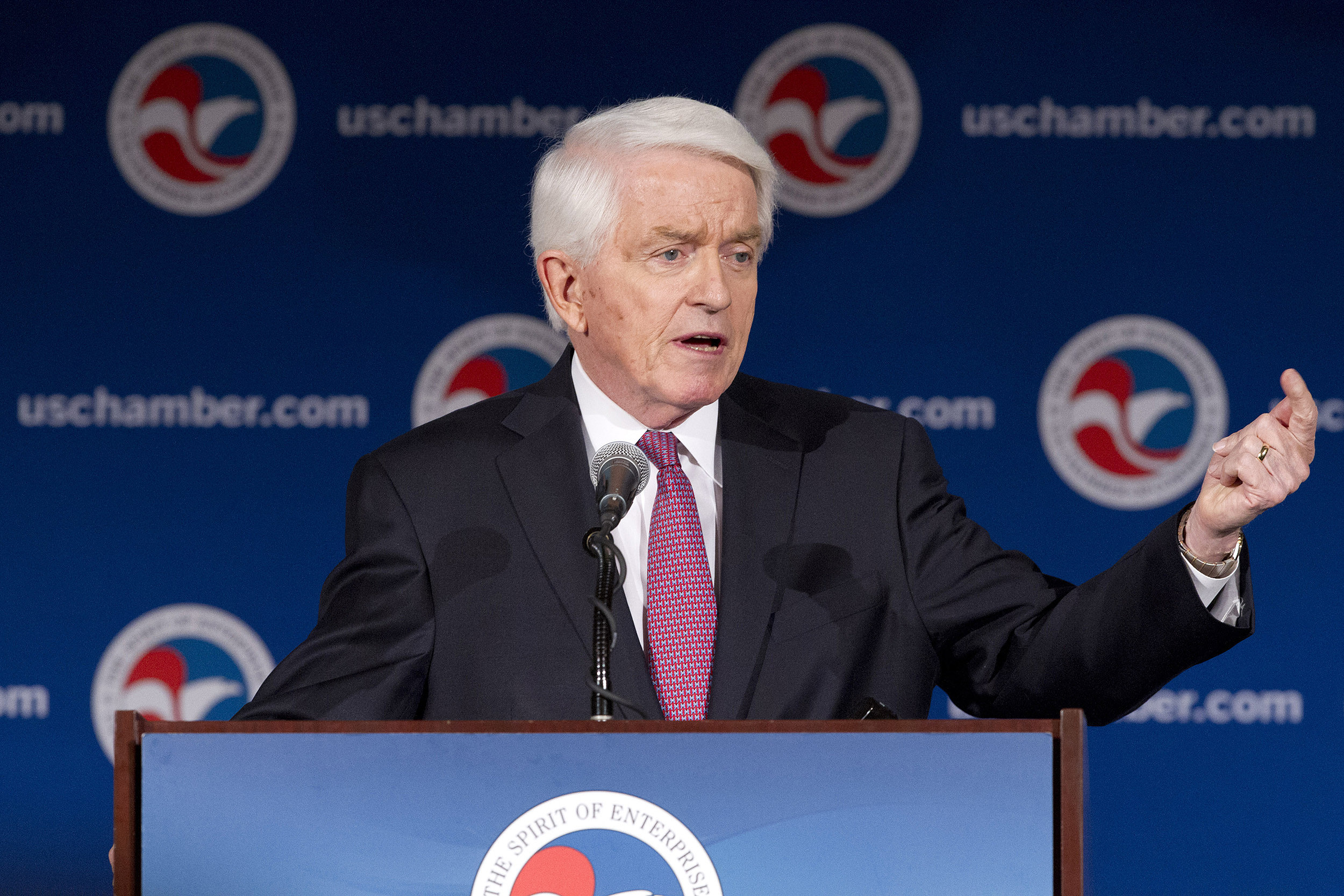 Tom Donohue State of American Business 2012_800px.jpg