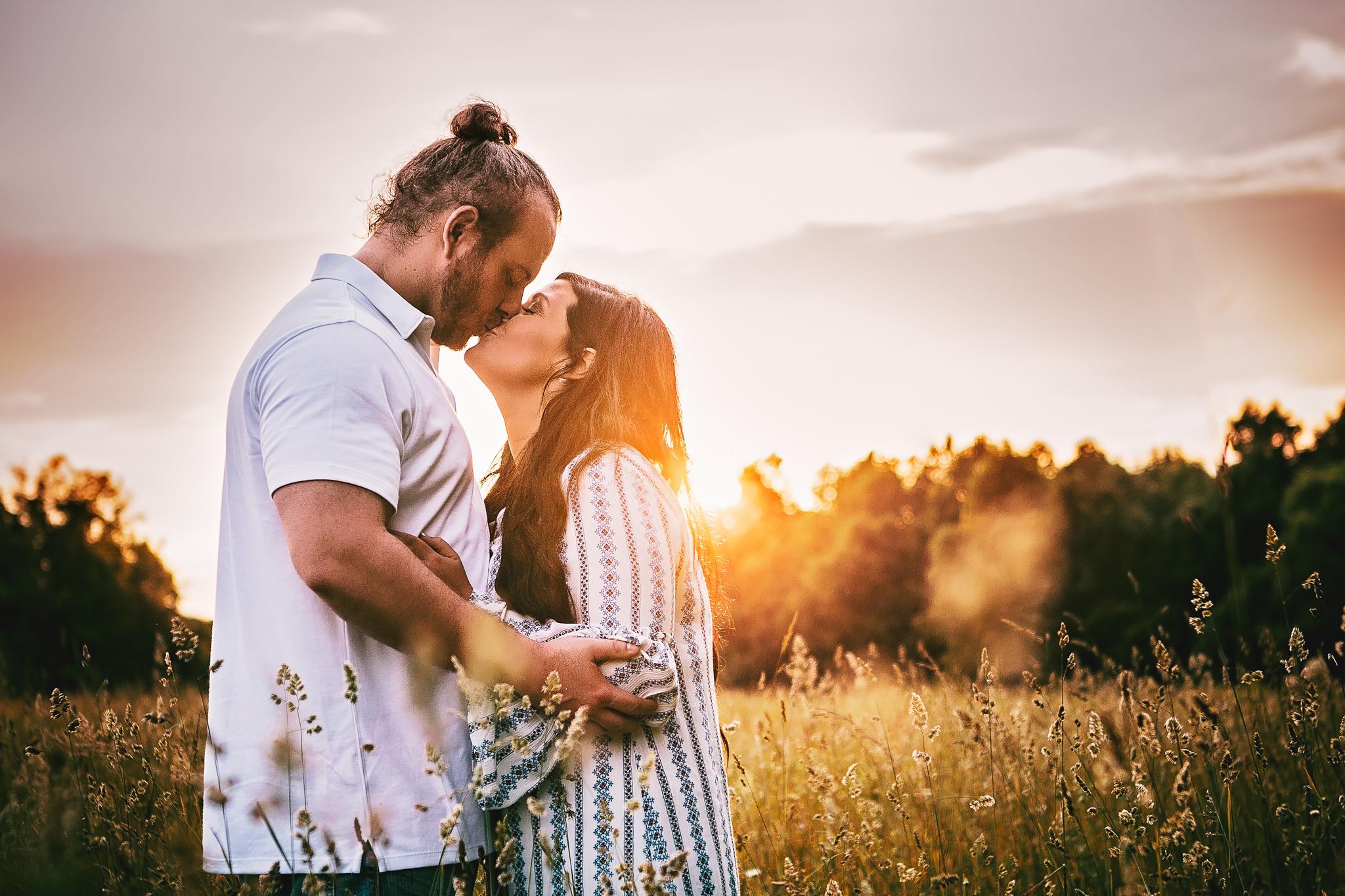 Richmond Kentucky Engagement Photographer - Ariana Jordan Photography -3.jpg
