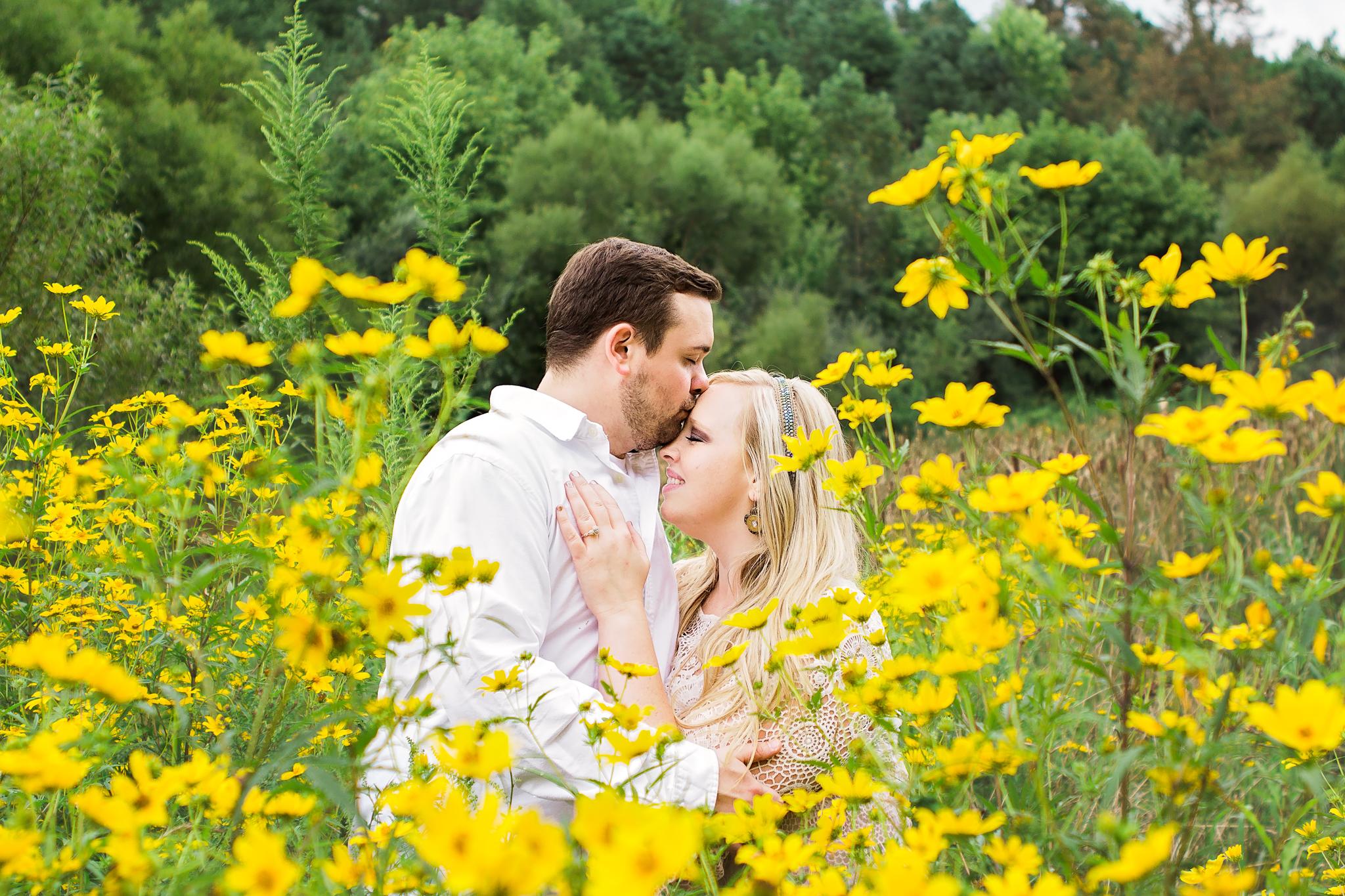 Richmond Kentucky Engagement Photographer - Ariana Jordan Photography -10.jpg