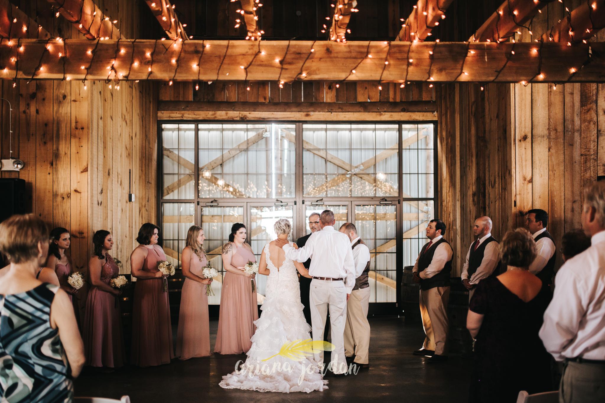 Kentucky Wedding Photographer - Talon Winery -0077.jpg