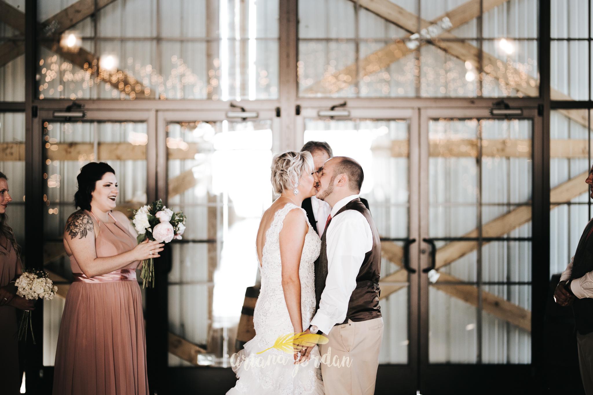 Kentucky Wedding Photographer - Talon Winery -0096.jpg