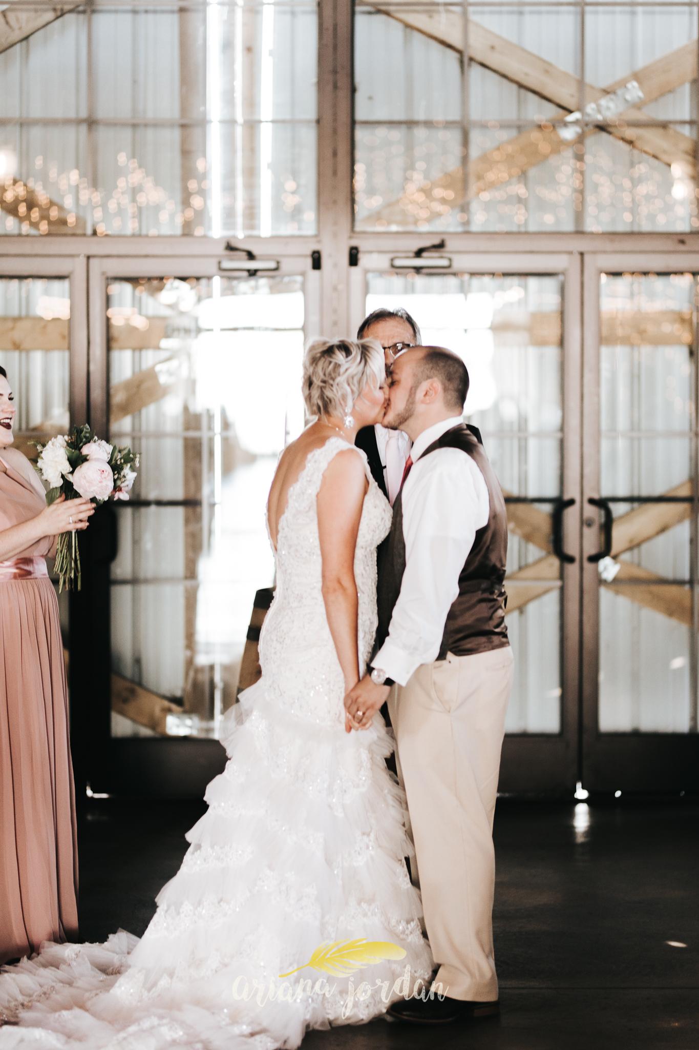 Kentucky Wedding Photographer - Talon Winery -0097.jpg