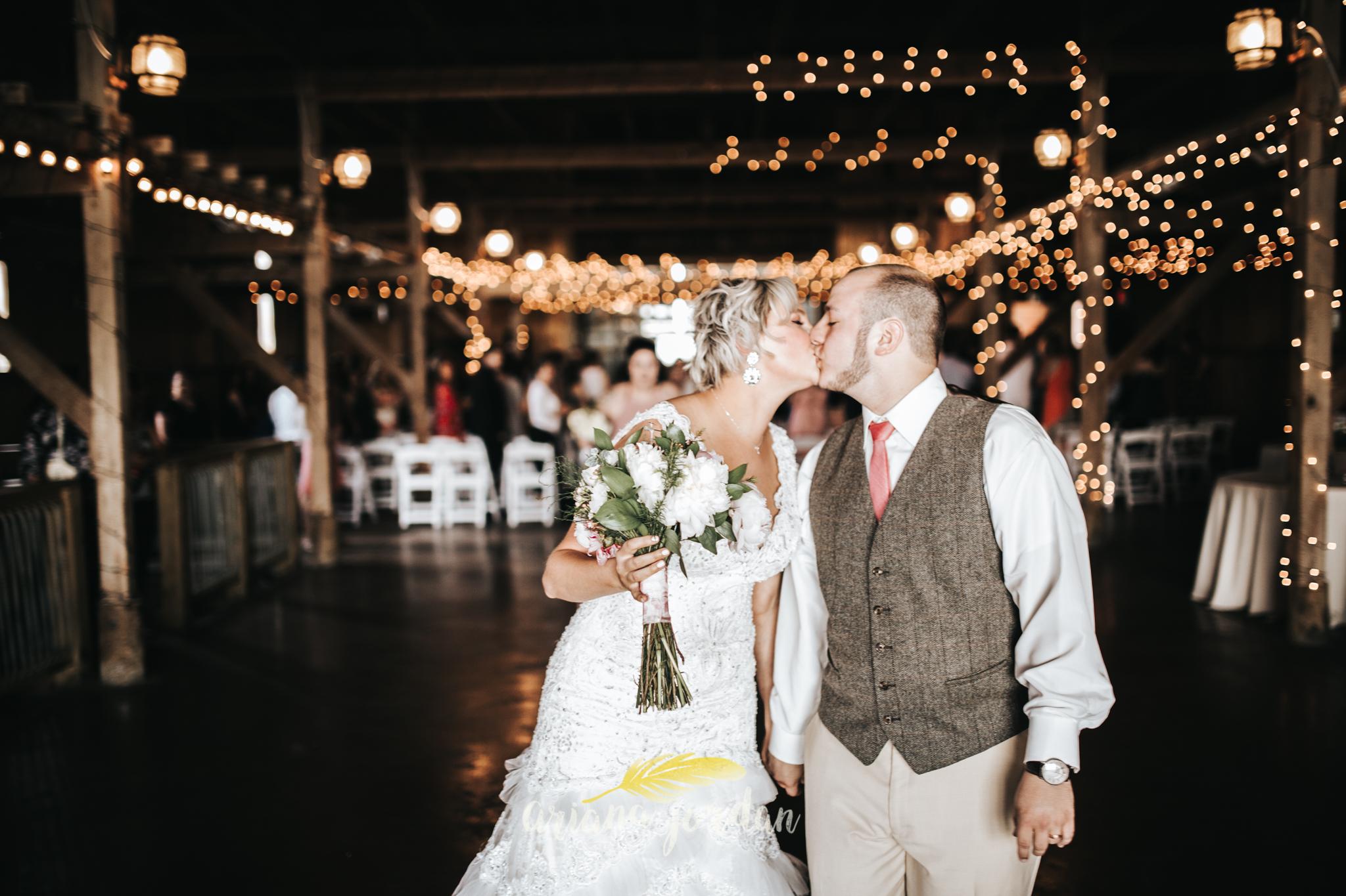 Kentucky Wedding Photographer - Talon Winery -0101.jpg