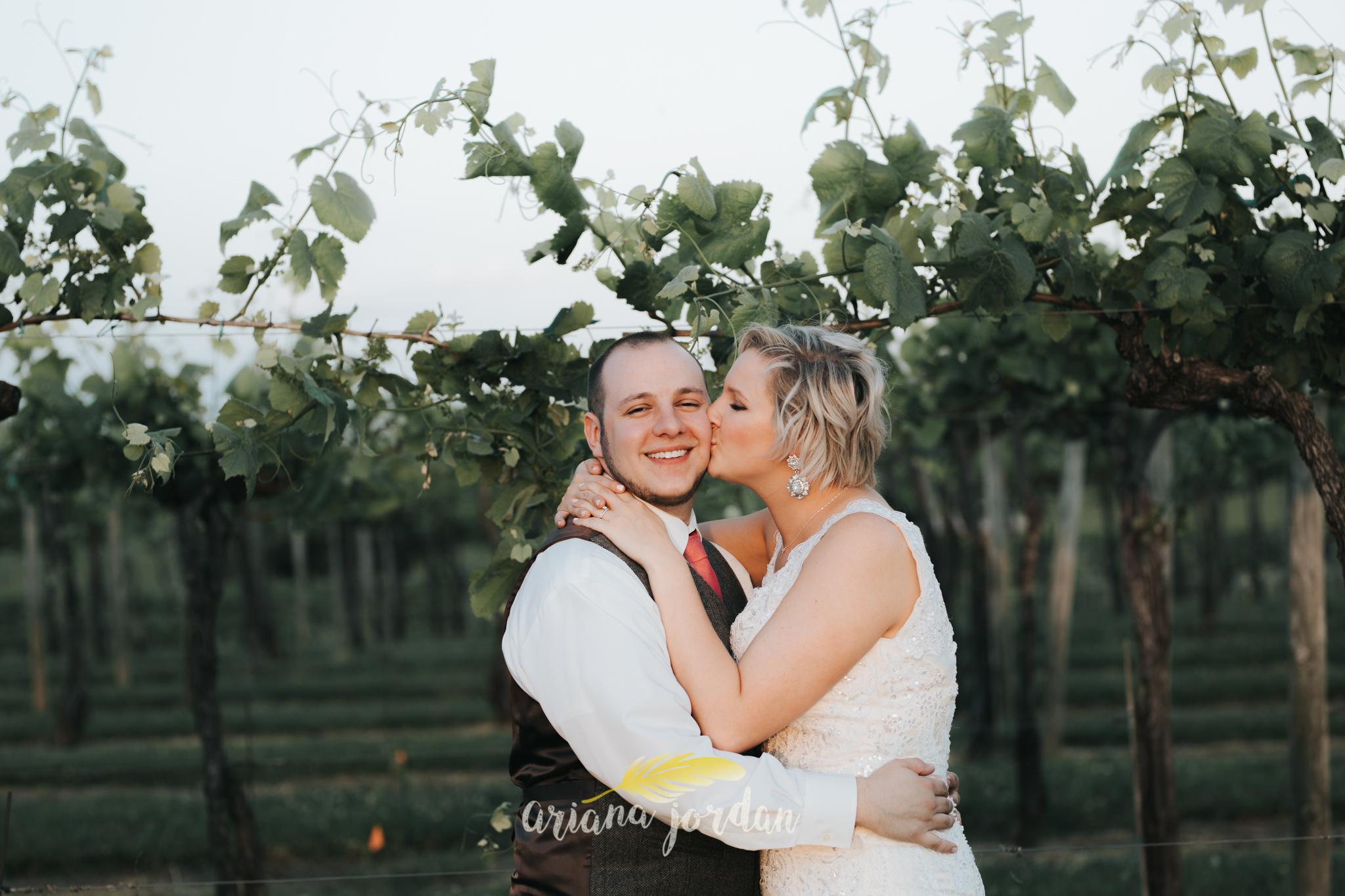 Kentucky Wedding Photographer - Talon Winery -0156.jpg