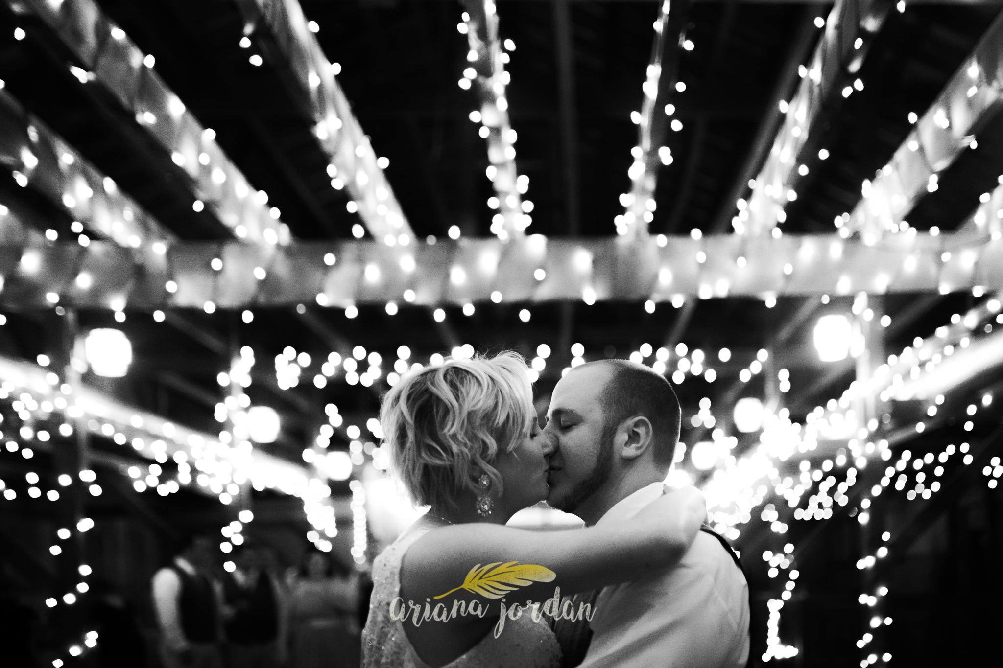 Kentucky Wedding Photographer - Talon Winery -0179.jpg