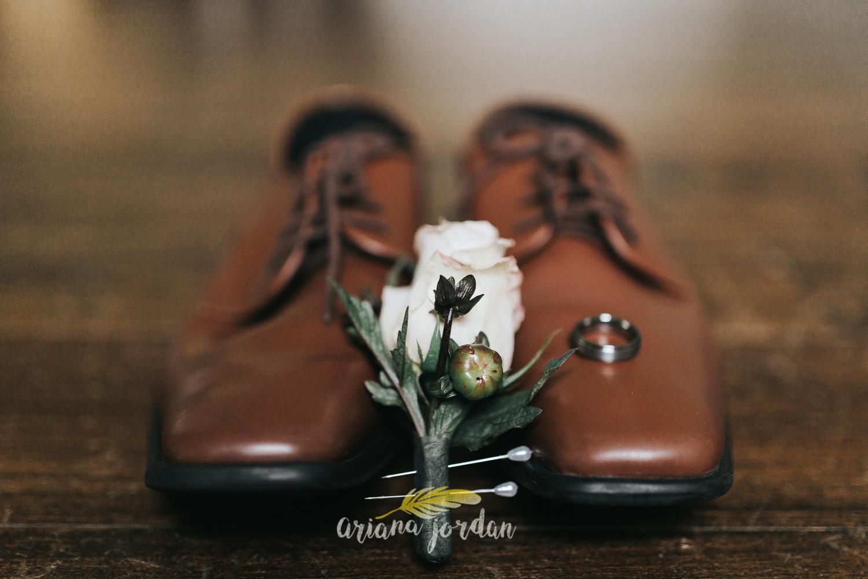 005 - Ariana Jordan - Kentucky Wedding Photographer - Landon & Tabitha 5878.jpg