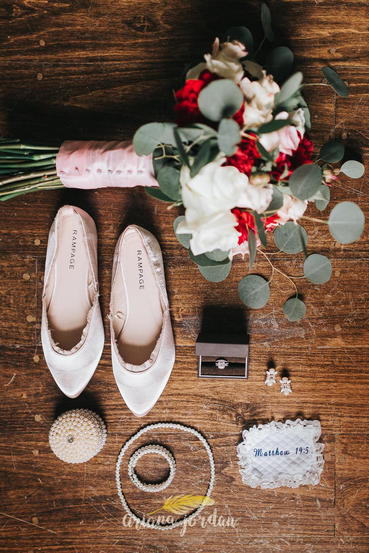 007 - Ariana Jordan - Kentucky Wedding Photographer - Landon & Tabitha 5892.jpg
