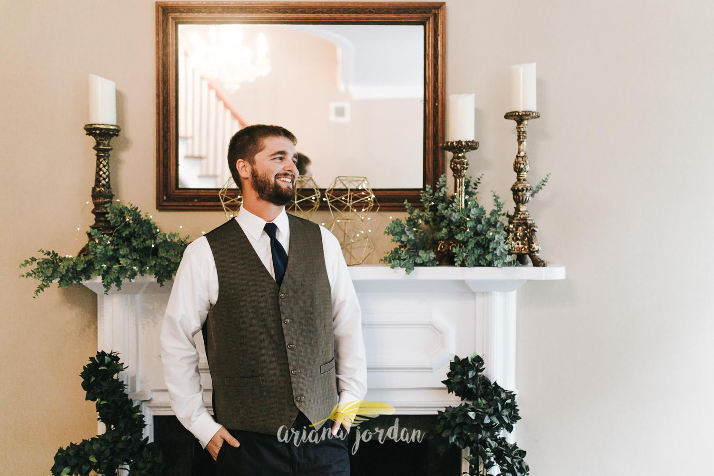 025 - Ariana Jordan - Kentucky Wedding Photographer - Landon & Tabitha 6002.jpg