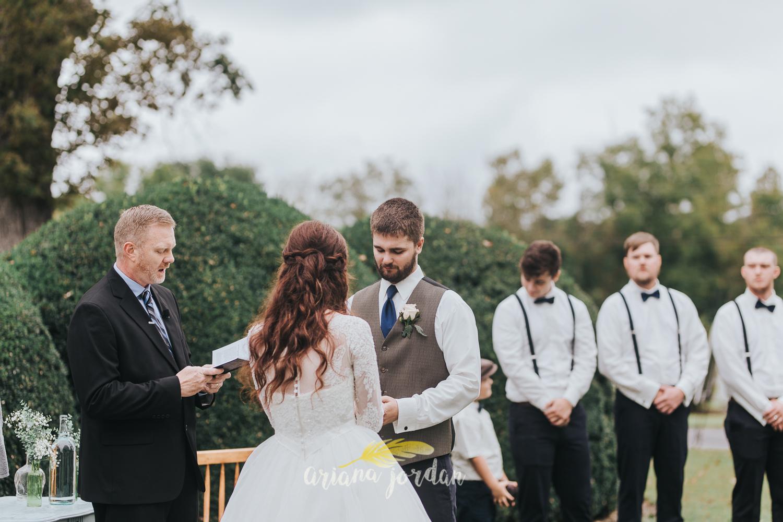 153 - Ariana Jordan - Kentucky Wedding Photographer - Landon & Tabitha_.jpg