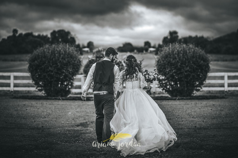 183 - Ariana Jordan - Kentucky Wedding Photographer - Landon & Tabitha_.jpg